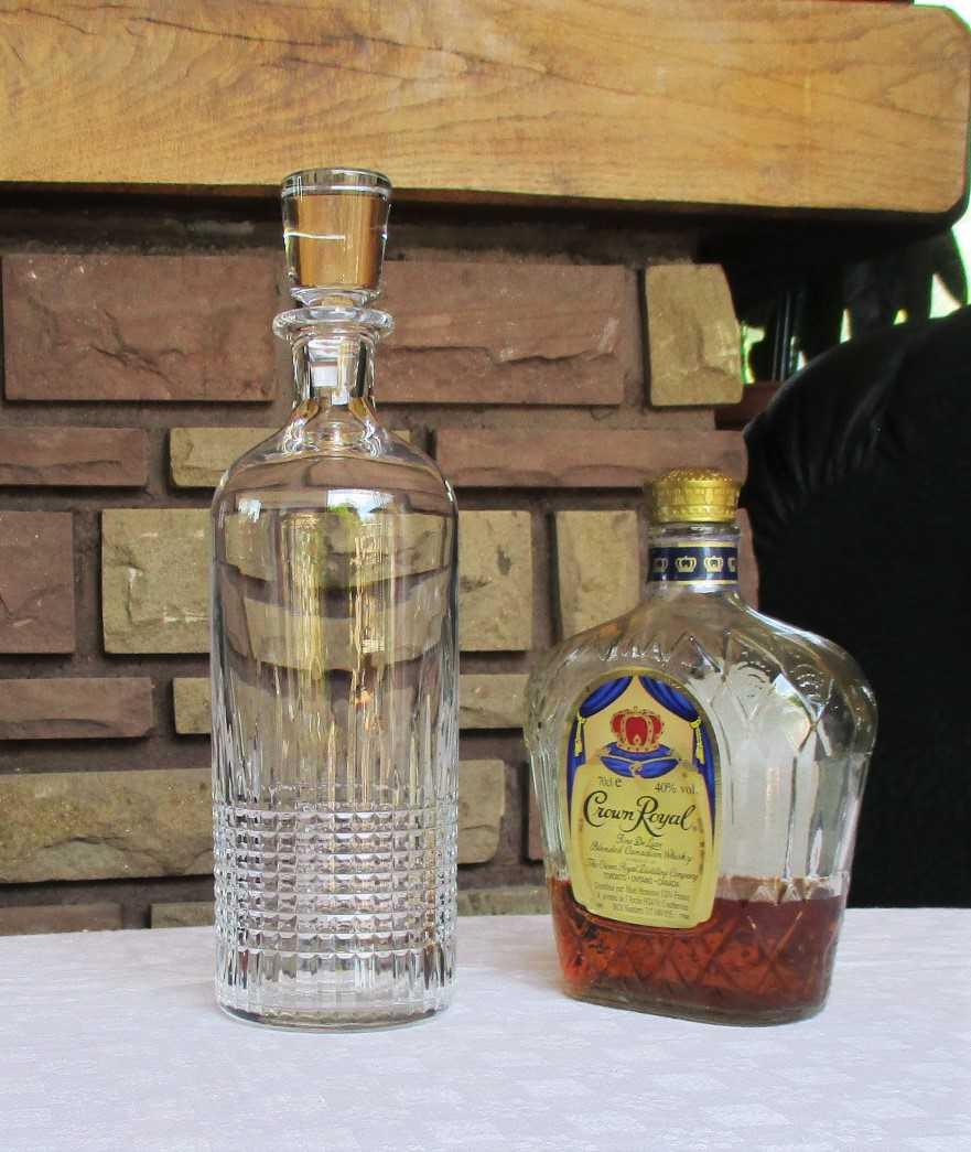 Carafe / Flacon à whisky Nancy. Cristal de Baccarat