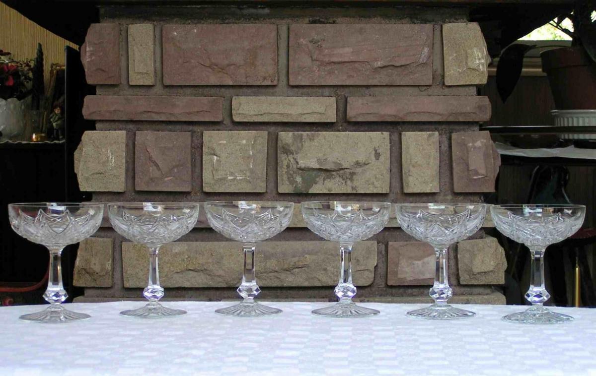 verres en cristal de baccarat service colbert. Black Bedroom Furniture Sets. Home Design Ideas