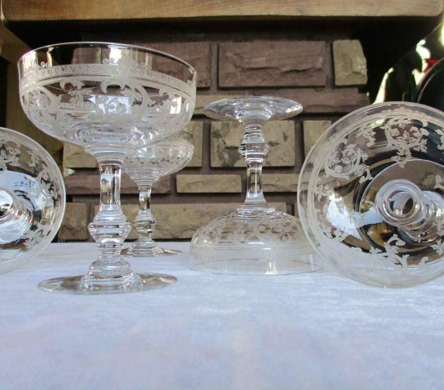 verres anciens en cristal de saint louis service metz. Black Bedroom Furniture Sets. Home Design Ideas