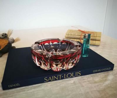 Cristal saint louis ambassadeur cendrier rouge