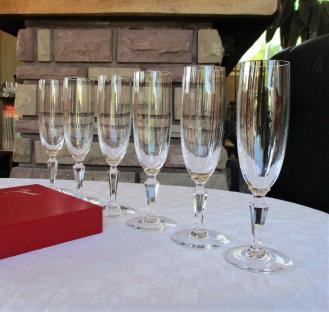 Naples flutes champagne baccarat