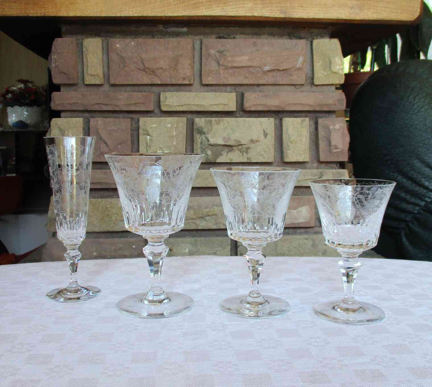 Prestivilege verres en cristal de baccarat lalique daum - Service harcourt baccarat ...