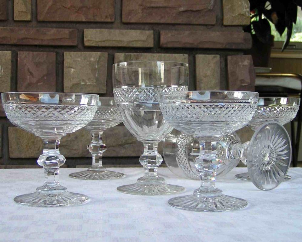verres en cristal saint louis service trianon. Black Bedroom Furniture Sets. Home Design Ideas