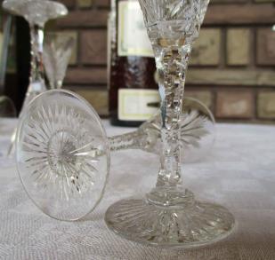 Verre pied liqueur cristal