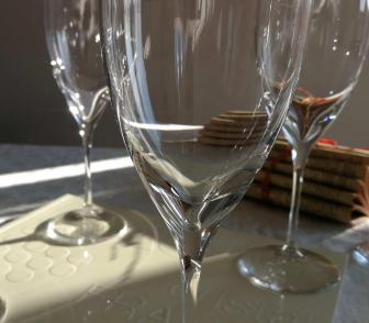Cristal uni daum verre