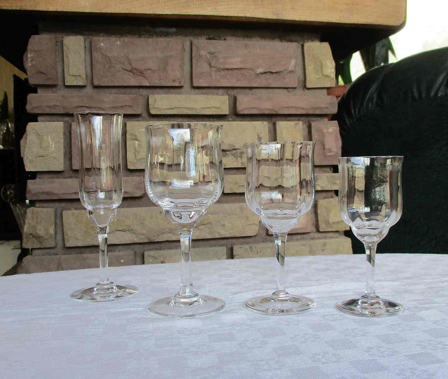 Service de verres Capri. Cristal Baccarat