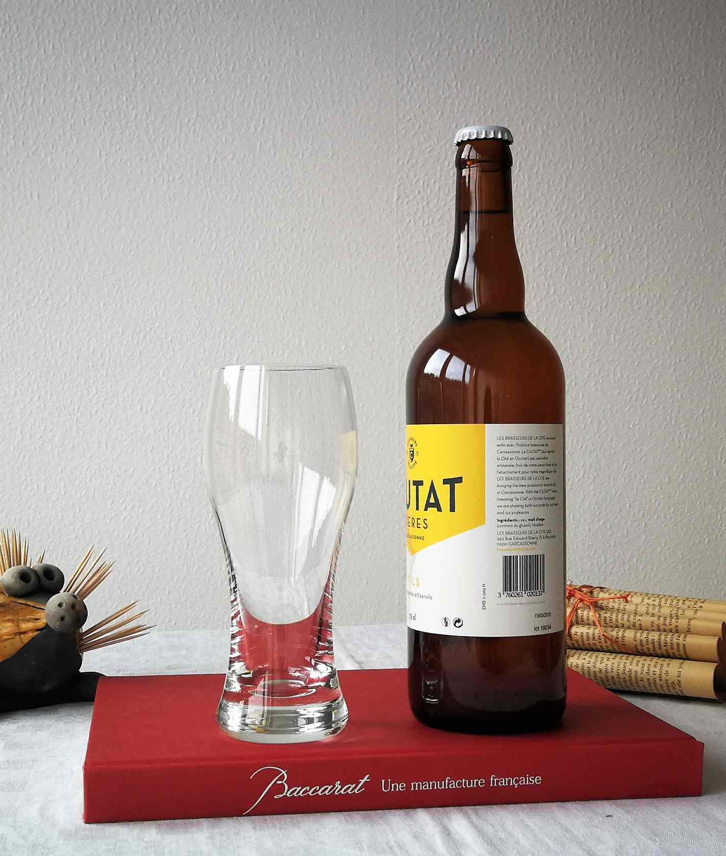 Chopes à bière, cristal Baccarat. Dégustation.